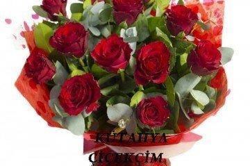 Güllerle Yapılan En Güzel Aranjmanlar