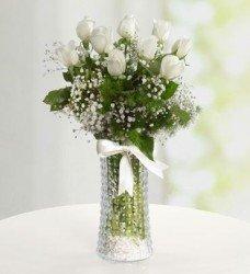 Beyaz Vazo Gül